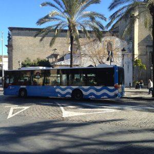 Ganemos Jerez solicita que las mujeres puedan bajar del autobús entre dos paradas si estiman que hay riesgo de agresión sexual